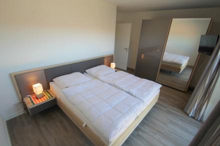 Doppelbett in 1,80 Breite